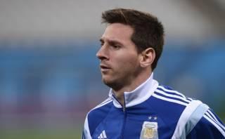 Solo un susto: Messi dejó concentración, pero no está lesionado