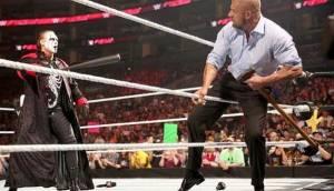 WWE: Triple H huyó de Sting a poco de WrestleMania (VIDEO)