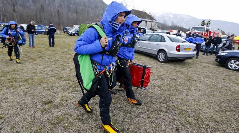 David Girodet rescata a montañistas que sufren accidentes, ayuda a recuperar los cadáveres de los que fallecieron en la montaña y opera en inundaciones y otras catástrofes naturales. (EFE)