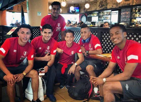 Selección peruana viajó a Miami para amistoso ante Venezuela