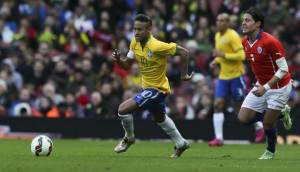Neymar y el genial sombrero con el que bailó a un rival (VIDEO)