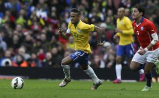 Neymar y el sensacional sombrero con el que bailó a un rival