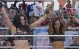 WrestleMania 31: Paige y Aj Lee vencieron a las hermanas Bella