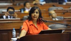 La oposición está a ocho votos de censurar a Ana Jara