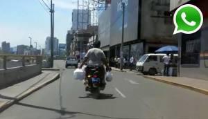 WhatsApp: repartidor comete imprudencia manejando moto [VIDEO]