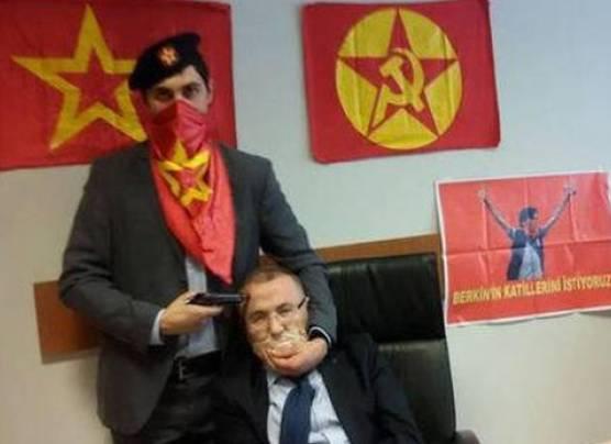 Turquía: Murió el fiscal secuestrado por terroristas