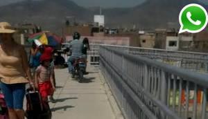 WhatsApp: conduce moto sobre puente para evitar el tráfico
