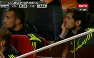 España vs. Holanda: la cara de Iker Casillas tras gol naranja