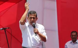 """Humala tilda de """"irresponsable"""" al Congreso por censura a Jara"""