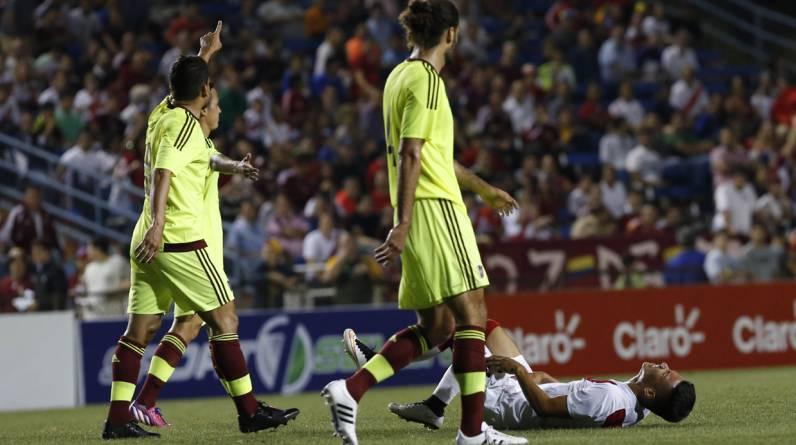 Renato Tapia no tuvo un debut auspicioso con la selección peruana. (Foto: Rolly Reyna / enviado especial de El Comercio)