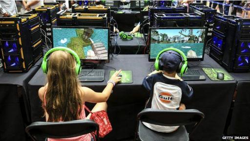 Lanzado en Suecia en 2011 por Markus Persson y su compañía Mojang, el videojuego fue adquirido por Microsoft el año pasado por US.500 millones.