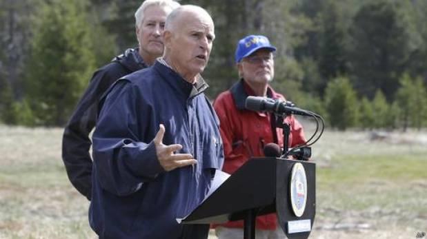 EE.UU.: Californa anuncia restricciones de agua por sequía