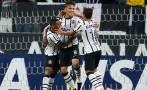 Paolo Guerrero anotó hat-trick en triunfo de Corinthians