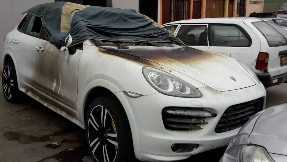 Así quedó el lujoso Porsche atacado con granadas en San Miguel