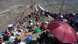 Cerro San Cristóbal: miles suben pese a que no habrá Vía Crucis