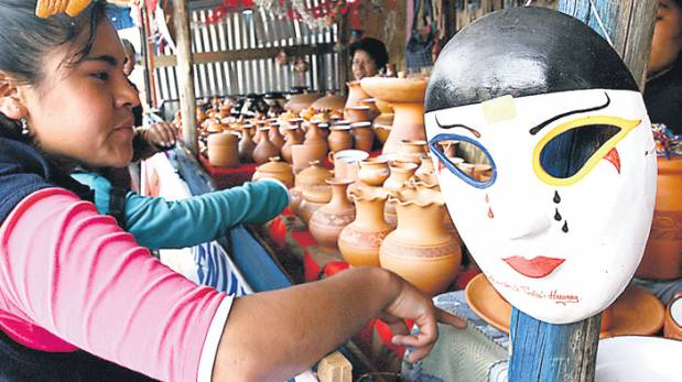 Taric recorre el barrio artesanal de ncash peru for Ceramica artesanal peru