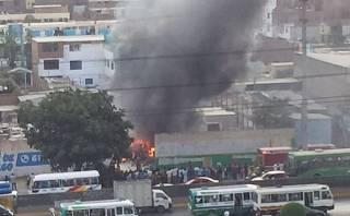 Incendio en Los Olivos destruyó almacén con material reciclable