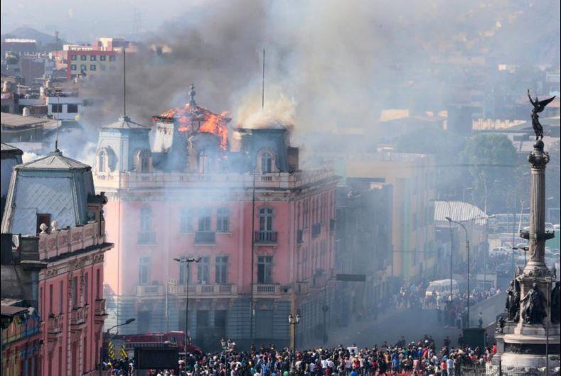 El incendio ocurrió el 16 de octubre del año pasado y dejó once personas heridas (Foto: @Lezamafoto)
