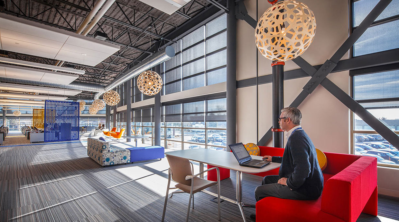 Convierten antigua planta de fabricaci n en modernas for El comercio oficinas