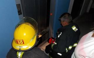 Bomberos atendieron 425 emergencias en ascensores este año