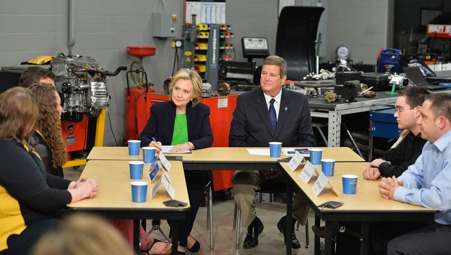 Así inició Hillary Clinton su campaña hacia la Casa Blanca