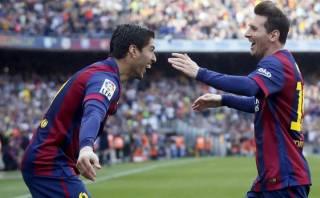 Luis Suárez felicitó a Messi por sus 400 goles en el Barcelona