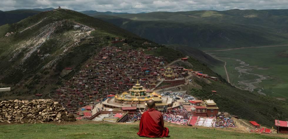 Conoce la academia budista más grande del mundo