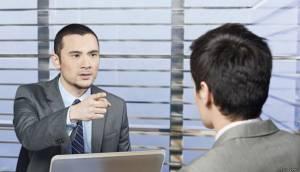 Los motivos por los que no deberías contratar a un amigo