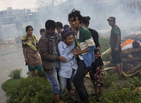 Nepal: Potente réplica de 6,7 grados sembró pánico en Katmandú