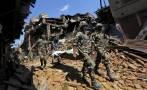Nepal: Rescatistas intentan llegar a más zonas tras terremoto