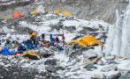 Nepal: Montañistas no renuncian a subir al Everest