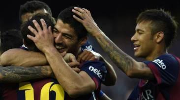 Barcelona golea 6-0 al Getafe con dobletes de Messi y Suárez