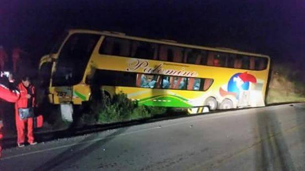 Cienciano: bus del equipo se salió de la vía y sufrió accidente