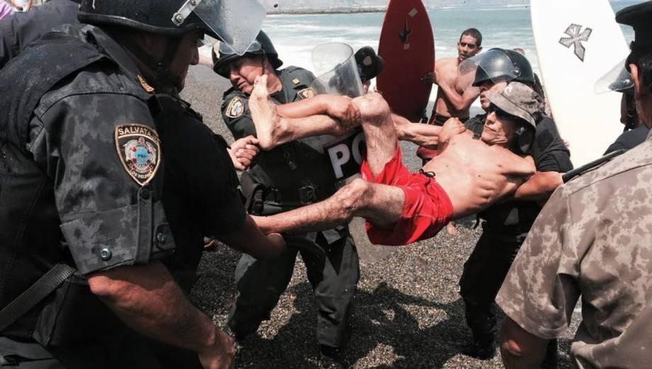 Costa Verde: policías desalojan a tablistas en La Pampilla