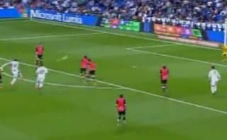 James Rodríguez marcó golazo con remate de 100 kilómetros/hora