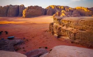 Wadi Rum: el desierto de Jordania con arena roja