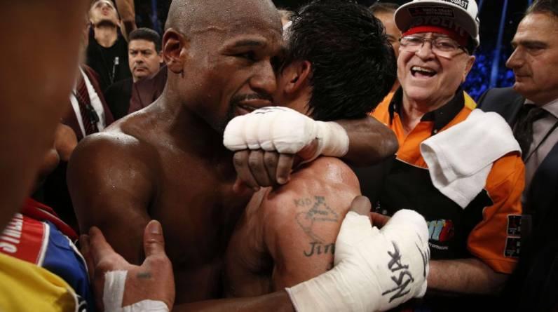 Un abrazo entre campeones. No hubo enemistad pese a la decisión. Sin duda, ambos son unos auténticos triunfadores. (Foto: AFP / Reuters)