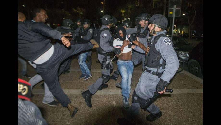 La violenta protesta de los etíopes contra el racismo en Israel