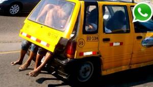 WhatsApp: jóvenes viajan peligrosamente en maletera de taxi