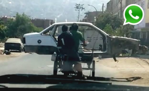 "WhatsApp: llevan ""auto"" sobre triciclo en calles de SJL [VIDEO]"