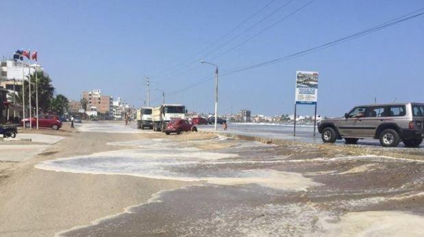 La Libertad: el mar volvió a golpear el balneario de Huanchaco