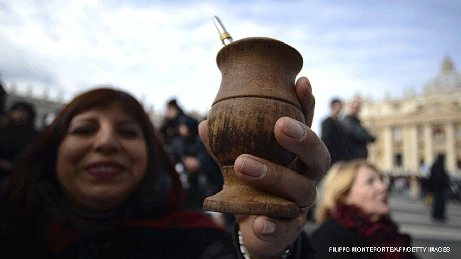 El mate se toma en Uruguay, Argentina, Paraguay, partes de Brasil, Bolivia y Chile, y en el Líbano y Siria. (BBC Mundo)
