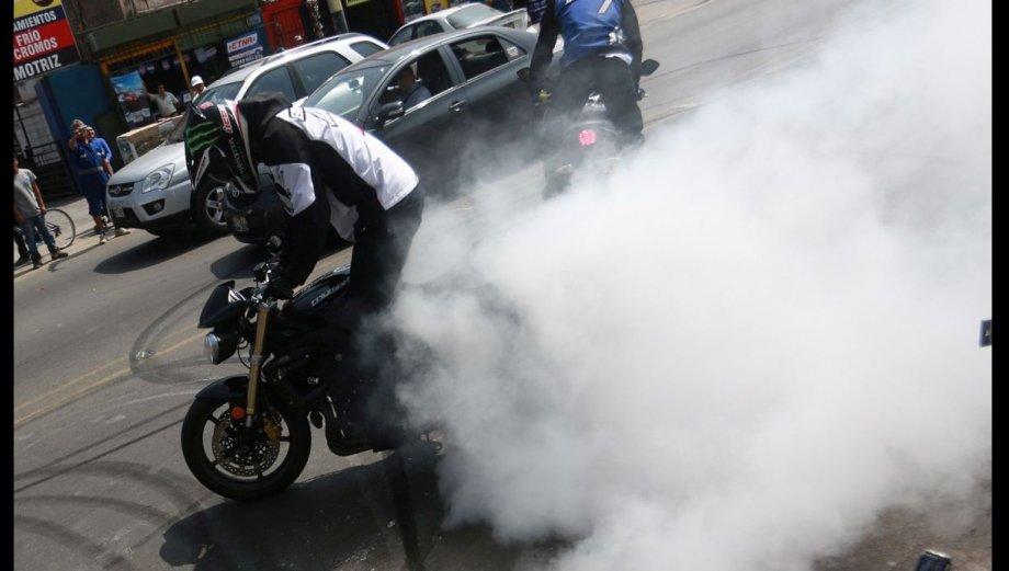 Espectacular show el Lima: llegaron motociclistas de stunt bike