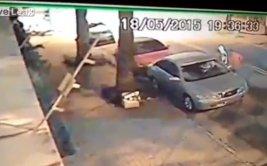 Policía baleó a ladrones que intentaron robar auto [VIDEO]