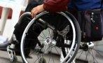 China dona 580 sillas de ruedas para personas con discapacidad