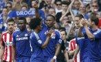 Drogba salió del campo cargado como 'rey' por sus compañeros