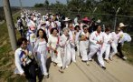 Activistas cruzan la frontera entre las dos Coreas por la paz