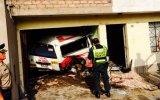 VMT: combi choca contra una vivienda y mata a dos personas