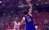 Curry pone a los Warriors a un triunfo de las finales de la NBA