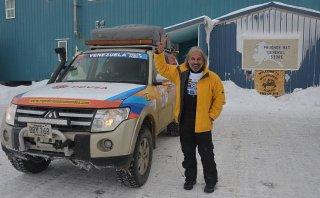 Rui Mendes, el piloto que va de polo a polo con su camioneta